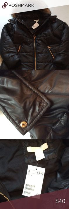 H&M Long Black Puffer Coat Beautiful black coat with gold zipper details and fur lined hood. Brand new with tags! As seen in the pic, there is one button on the neck that came apart. This could be fixed, or left alone as it is not noticeable. H&M Jackets & Coats Puffers