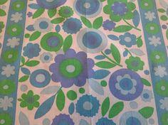 1 METRE VTG fabric material 60s 70s daisy & stripe Mary Quant era mid century