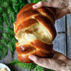 to Make Easy Challah Bread: get the recipe for this soft, sweet bread made with honey and olive oil. Its surprisingly simple to braid the 5 strands of challah dough into a stunning centerpiece for an Easter brunch or Jewish Sabbath meal! Easter Bread Recipe, Bread Recipe Video, Best Bread Recipe, Zopf Bread Recipe, Sweet Bread Dough Recipe, Simple Bread Recipe, Best Challah Recipe, Challah Dough Recipe, Challah Bread Recipes
