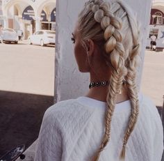 French/fishtail brades