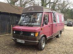 Mercedes Camper, 1982, £2300