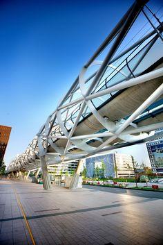 Light Urban Rail Link, The Hague-Rotterdam designed by Zwarts & Jansma Architects