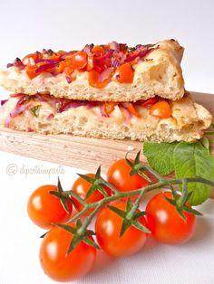 Focaccia con pomodorini con 1 grammo di lievito