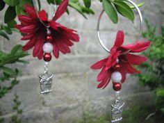 Red daisy flower earrings by KatKeRosCorner on Etsy, $18.00