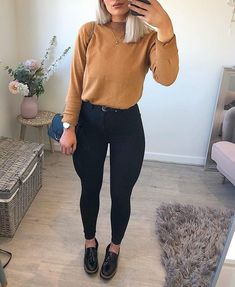 Street style fashion outfits Casual fashion outfits ideas and Chic Summer outfits for 2019 Mode Outfits, Trendy Outfits, Fashion Outfits, Fashion Trends, Fall Winter Outfits, Spring Outfits, Church Outfit Fall, Casual Church Outfits, Vetement Fashion