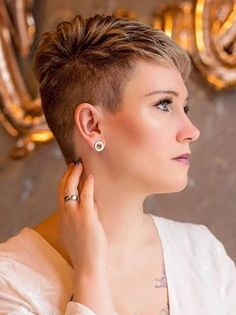 Funky Short Hair, Super Short Hair, Short Grey Hair, Short Hair Cuts For Women, Short Hair Styles, Edgy Short Haircuts, Short Hair Undercut, Cute Hairstyles For Short Hair, Undercut Hairstyles