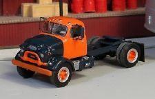 HO 1/87 Sylvan Scale Models # V-182 1958-62  GMC 860 Single Axle Day Cab Kit