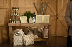 sparlers, gift table, barn wedding