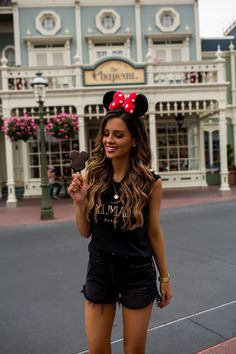 Disneyland Outfit Ideas 2019 - What I Wore To Disney World Disney World Outfits, Walt Disney World, Cute Disney Outfits, Disney Inspired Outfits, Disney Style, Cute Outfits, Skater Outfits, Disney Fashion, Emo Outfits