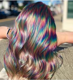 Oil Slick Hair Is The Perfect Hair Color Trend For Brunettes - Icon People - Ideas of Icon People - Brunettes get ready to hop on board with the newest hair trend! Oil slick hair was made with you in mind so colored hair is possible without bleaching. Exotic Hair Color, Cool Hair Color, Oil Slick Hair Color, Hair Color Ideas, Hair Dye Colors, Rainbow Hair Colors, Edgy Hair Colors, Rainbow Dyed Hair, Different Hair Colors