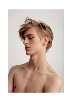 Man's hairstyles faces and stuff blonde hair boy, blonde guys, aesthetic bo Beautiful Boys, Pretty Boys, Blonde Hair Boy, Cute Blonde Guys, Blonde Boys, The Face, Drawing People, Trendy Hairstyles, Male Models
