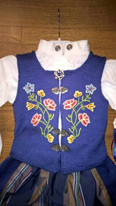 Ravelry: Festdrakt Nordland pattern by Sagaen Folk Costume, Costumes, Mittens, Ravelry, Diy And Crafts, Crochet, Blouse, My Style, Sweaters