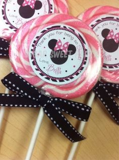 Minnie Mouse Zebra Lollipop Favors by valarie Minnie Mouse Theme Party, Minnie Mouse 1st Birthday, Minnie Mouse Baby Shower, Mickey Y Minnie, Minnie Mouse Pink, Mickey Party, Mouse Parties, 3rd Birthday Parties, 2nd Birthday