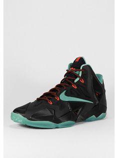 NIKE Basketballschuh LeBron XI black/o.jade/l.crimson für 179,99 Euro. Artikelnummer: 1012531  #lebron #nike #basketball