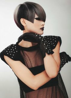 Goldwell - J. 2015 Hairstyles, Creative Hairstyles, Cool Hairstyles, Short Hair Cuts, Short Hair Styles, 1960s Hair, Edgy Haircuts, Hair Shows, Poses