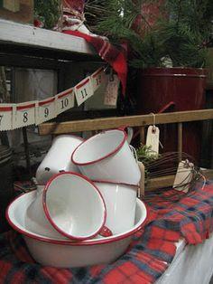 A Cottage Muse: vintage christmas vignettes...