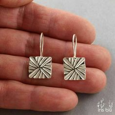 """Dangling earrings in Sterling Silver square 12 mm - IrisBiu element """"braiding Hand-made in France. Clay Earrings, Silver Earrings, Dangle Earrings, Silver Ring, 925 Silver, Silver Bracelets, Metal Clay Jewelry, Precious Metal Clay, Bijoux Diy"""