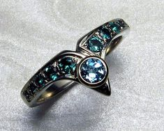Fitted engagement ring set with topaz . white gold with rhodium finish. Custom Made Engagement Rings, Designer Engagement Rings, Engagement Ring Settings, Interlocking Wedding Rings, Blue Wedding Rings, Wedding Knot, Green Topaz, Blue Sapphire, Royal Jewels