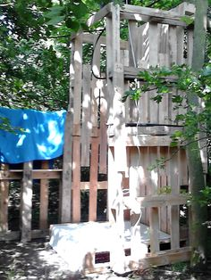 Camp shower with pallets #Pallets, #Reused