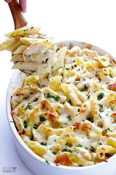 Chicken Alfredo Baked Ziti -- one of my all-time favorite easy weeknight dinners! | gimmesomeoven.com