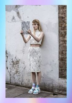 Shallowww cropped top and high wasited skirt in white marble