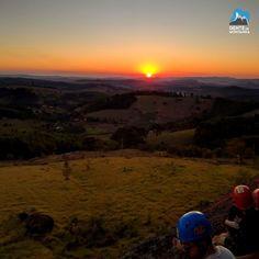 A Felicidade está em momentos como esse! #pormaisdiasassim Foto de Roberto Terzini  #GentedeMontanha #AltaMontanha #Mountains #Escalar #Montanhismo #Trekking #ProntoParaAventura #Escalada #EscaladaemRocha