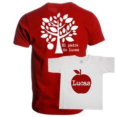 Set de camisetas para padres e hijos. Divertido set de camisetas para padres con hijos. Una camiseta es para el padre y lleva un manzano estampado y la otra camiseta es para el niño o niña y lleva una manzana grande. Las dos llevan el nombre del niño o niña. El set de camisetas se ofrece en color gris, rojo o azul marino. Si necesitas algún camiseta adicional porque tienes más hijos no dudes en llamarnos. Precio: 35 €
