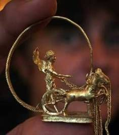 Here is a Golden Bock or buck-goat, indicative of the king/breeder... The biggest find of it's kind, amassed by the Triballoi {Triballi} from the 5th. century BC to the middle of the 4th. century BC. discovered in the winter of 1985/86 in northwest Bulgaria, the gorgeous Thracian Treasure from Rogozen is the largest single collection of ancient treasure ever found in Europe.