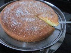O Bolo de Aipim Cremoso de Liquidificador é prático e muito saboroso. Faça esse bolo de aipim para o lanche da sua família e receba muitos elogios!