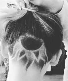 Heat Waves - Undercut Hair Designs For The Most Bold And Badass Ladies - Photos - The Right Hair Styles Shaved Undercut, Undercut Long Hair, Girl Undercut, Undercut Pixie, Undercut Hairstyles Women, Undercut Women, Pixie Haircuts, Pixie Hairstyles, Nape Undercut Designs