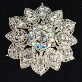 Need to start collecting pretty brooches I come across, for wreath making!