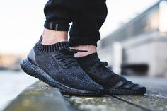 "On-Foot: adidas Ultra Boost Uncaged ""Triple Black"" - EU Kicks Sneaker Magazine"