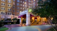 Warwick Melrose Hotel Dallas Situated in the Uptown Oak Lawn and Turtle Creek area of  Dallas, Texas city centre, this hotel offers comfortable guestrooms, first-rate services and a gourmet, on-site restaurant.