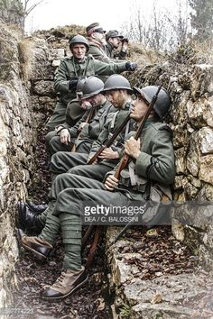 Italian infantrymen in a trench, ready to launch an assault, Italian front, autumn 1916. First World War, 20th century. Historical reenactment.