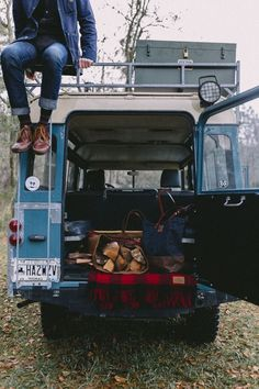 Land Rover 109 Serie II A SWB. The original life style of Land Rover people… Landrover, Camping Life, Camping Solo, Off Road, Back To Nature, Land Rover Defender, Backpacker, The Great Outdoors, Adventure Travel