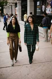 The Best Street Style Coming Out of New York Fashion Week Street Style Trends, New Street Style, Cool Street Fashion, Street Style Looks, Spring Fashion Trends, Latest Fashion Trends, New Fashion, Korean Fashion, Womens Fashion