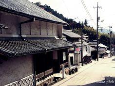shiraichi_pampf (白市観光パンフレット) 白市は、三次、久井とともに牛馬市が江戸時代の初めごろから開かれ、 最盛期には期間中500頭にも及ぶ牛馬が集まったといわれます。 市の日には、...
