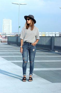 Denim-birkenstock-arizona-outfit-street-style-trend:                                                                                                                                                                                 More