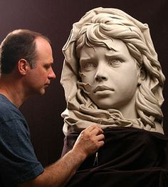Philippe Faraut is a figurative artist specializing in life-size portrait sculptures and monumental stone sculptures.