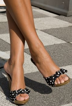 Sexy Legs And Heels, Sexy High Heels, Bobby White, Feet Show, Sexy Sandals, Strap Sandals, Wooden Sandals, Beautiful Toes, Cute Toes