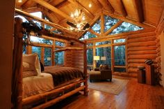 Log Cabin Bedroom love all the windows & light Log Home Bedroom, Log Cabin Bedrooms, Log Cabin Living, Log Cabin Homes, Log Cabins, Dream Bedroom, Cabana, Home Designer, Timber House
