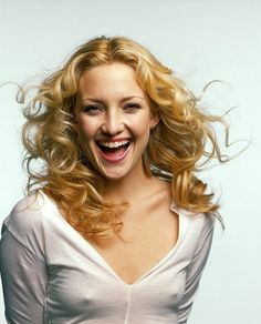Kate Hudson Smile Wallpaper