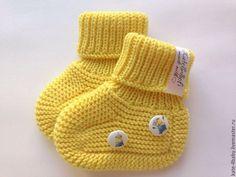 Купить Вязаные пинетки для малыша - желтый, однотонный, пинетки, пинетки для новорожденных, ручная работа Crochet Baby Socks, Crochet Baby Booties, Crochet Hats, Knitted Hats, Booty, Knitting, Shoes, Converse Shoes, Tejidos