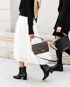 Details 🖤 via Leather Bag, Brown Leather, The Chic, Light Beige, Crocodile, Lace Skirt, Taupe, Style Inspiration, Shoulder Bag