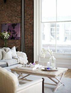 decorology: A beautiful and romantic nyc loft in white // it looks so supercozy #rusticos #rustic #bricks #tijolos #ceramic #facing #brick #clinker bricks #klinker #bricks #facingbrick #ladrillos #caravista #avista #brique #brick #walls #paredes #rusticas