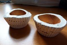 Zwei kleine Schalen zur Aufbewahrung von Schmuck, Schreibtischutensilien etc.  Handgefertigt aus Beton, bemalt und mit einem Lack versiegelt.  ...