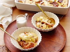 Recipe of the Day: Giada's Panettone Bread Pudding with Amaretto Sauce Classic bread pudding may be a Southern favorite, but Giada uses rich Italian panettone studded with fruit and nuts as the base for hers. Soaked in a creamy custard, baked and then drizzled with buttery amaretto sauce, it's a day-after dessert that's ideal for company.