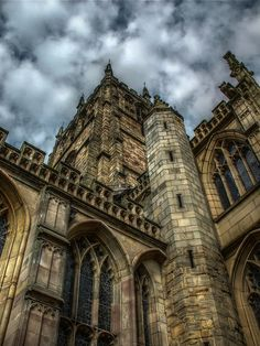 Completed in 1475, St Mary's Church, Nottingham was a shelter for Robin Hood, who used the tunnels beneath the church to navigate between Nottingham and Sherwood Forest.