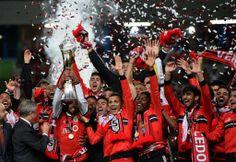 サッカーポルトガルリーグ杯2013-14(Portugal League Cup 2013-14)決勝、ベンフィカ(Benfica)対リオ・アベ(Rio Ave)。優勝を喜ぶベンフィカの選手(2014年5月7日撮影)。(c)AFP=時事/AFPBB News