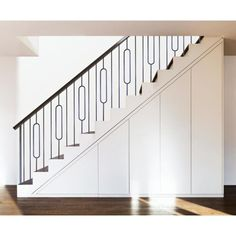 Indoor Stair Railing, Modern Staircase Railing, Black Stair Railing, Interior Stair Railing, Staircase Remodel, Modern Stairs, Staircase Design, Staircases, Staircase Glass